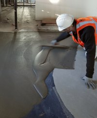 TEC® Fast-Set Deep Patch dries to a walkable hardness in just 60 minutes, making it easy for the various crews to move around the busy job site.