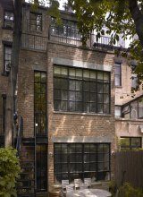 Exterior of NYC private residence with Hope's® Landmark175™ steel windows (PHOTO CREDIT: IMG_INK)