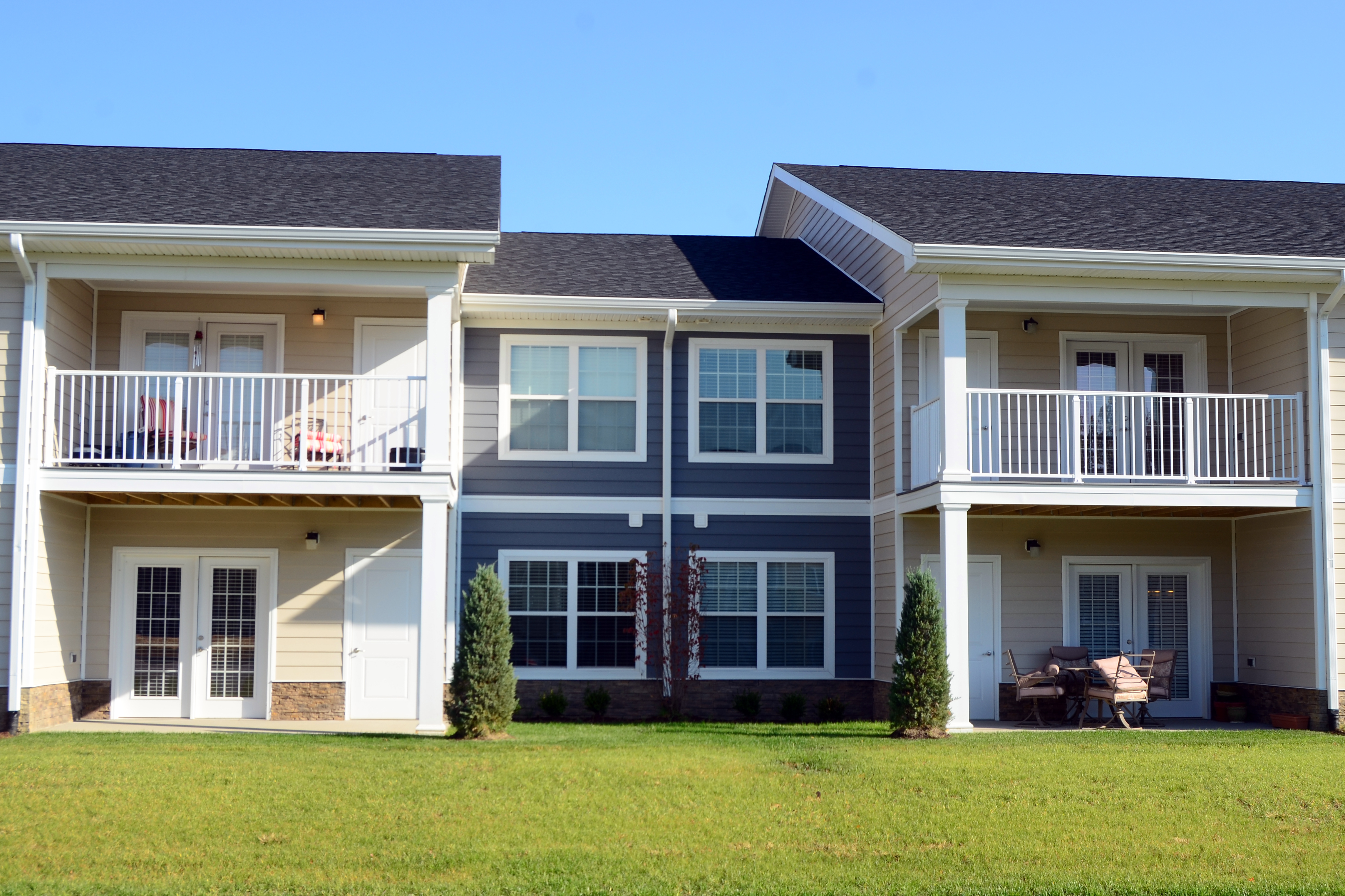 Three Colors Of Everlast 174 Advanced Composite Siding Used Extensively On Louisville Multi Family
